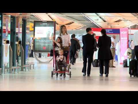 Aéroports de Lyon : des poussettes dans les terminaux / Strollers-to-go in the terminals