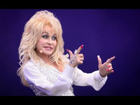 Dolly Parton pulls in the crowds at Glastonbury 2014 - Neil McCormick review