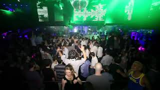 Le Queen (Paris Essentials)