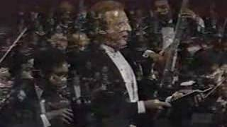 "ALFREDO KRAUS SINGS ""PRECIOSA"", BY RAFAEL HERNANDEZ"