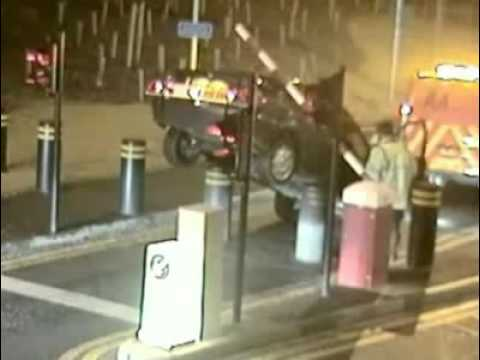 amazing accident Tow Truck Fail -