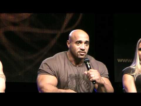 LOADED CUP 2012 | Short SEMINAR with Larissa Reis, Phil Heath, James Flex Lewis & Dennis James (3)