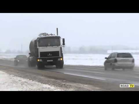 Бензовоз валит боком в Белорусии