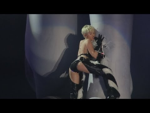 Miley Cyrus - Can't Be Tamed (Bangerz Tour LIVE in Antwerp, Sportpaleis 20.06) HD Concert