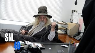 Hobbit Office: After Saving Middle Earth, it's Back to the Grind
