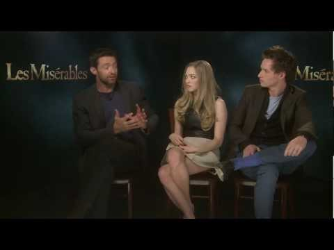 Les Misérables Facebook Chat with Hugh Jackman, Eddie Redmayne & Amanda Seyfried