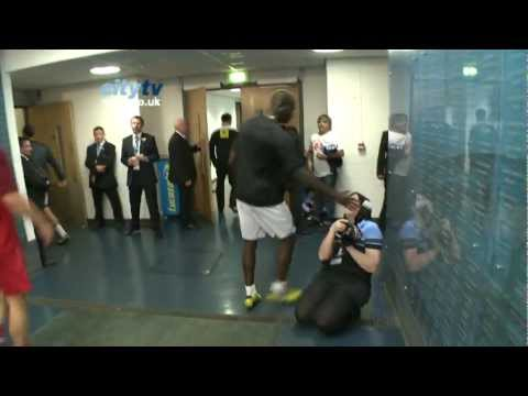 FUNNY Mario Balotelli v City Photographer - YouTube, 