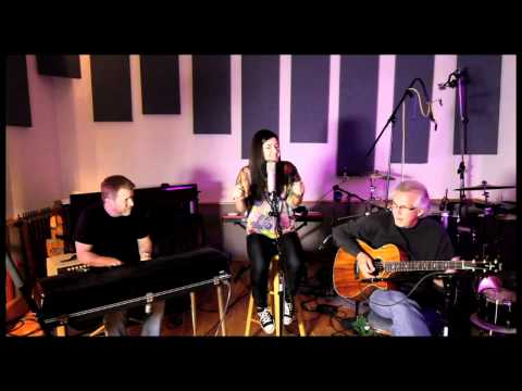 Nina Simone - Feeling Good (Live Cover by Sara Niemietz)