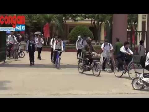 Khó khăn trong việc xử lý tình trạng học sinh điều khiển xe máy tới trường