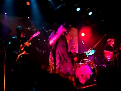 Dante vs Zombies - Centuries After Parrots live