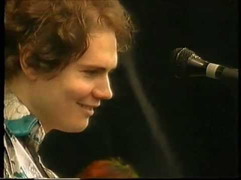 Smashing Pumpkins - Drown (Live Pinkpop 1994), The Smashing Pumpkins play the song Drown live at Pinkpop festival, 23 May 1994.