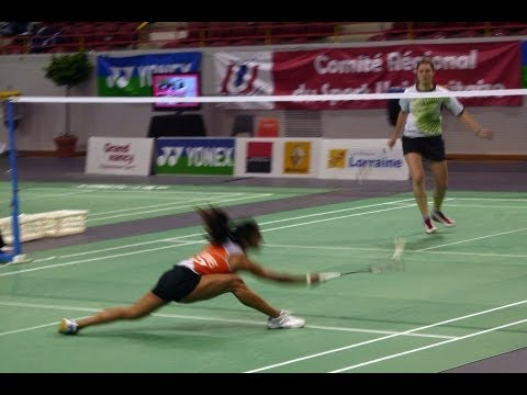 How to Do a Smash Shot | Badminton Lessons
