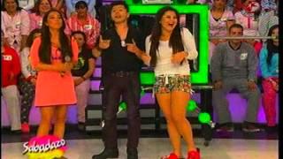 Le Roban Beso A Laura G El Mago En Sabadazo 09 De Marzo