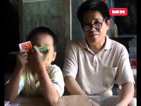 Video em bé 5 tuổi giải được toán lớp 4 - TTO.flv