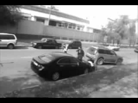 Road Rage and Street Justice  Girl Beet up 2 Man!   traffic accident