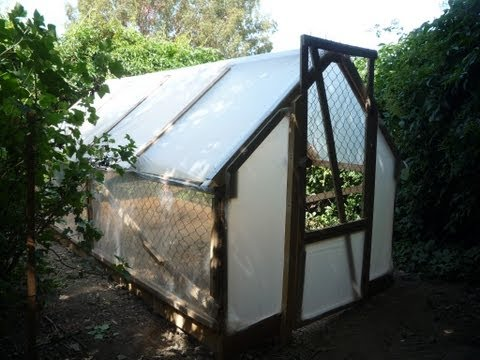 Home-made 5 Dollar Greenhouse. Une Serre pour 5 Euros. El Invernadero ...