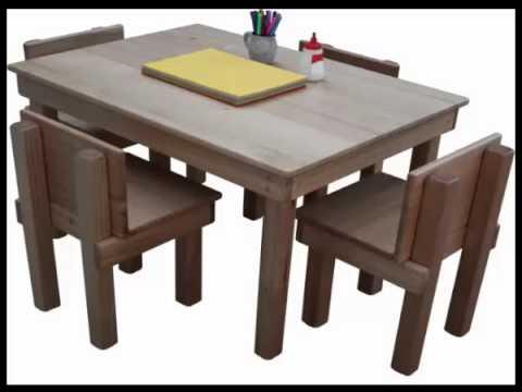 على الطاولة الشعارات المسيطرة عالى الخطاب