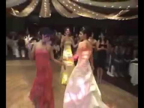 Танц с ножове