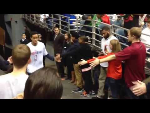New Orleans Pelicans & Milwaukee Bucks Players Going Through Tunnel 2-12-14 ANTHONY DAVIS GIANNIS