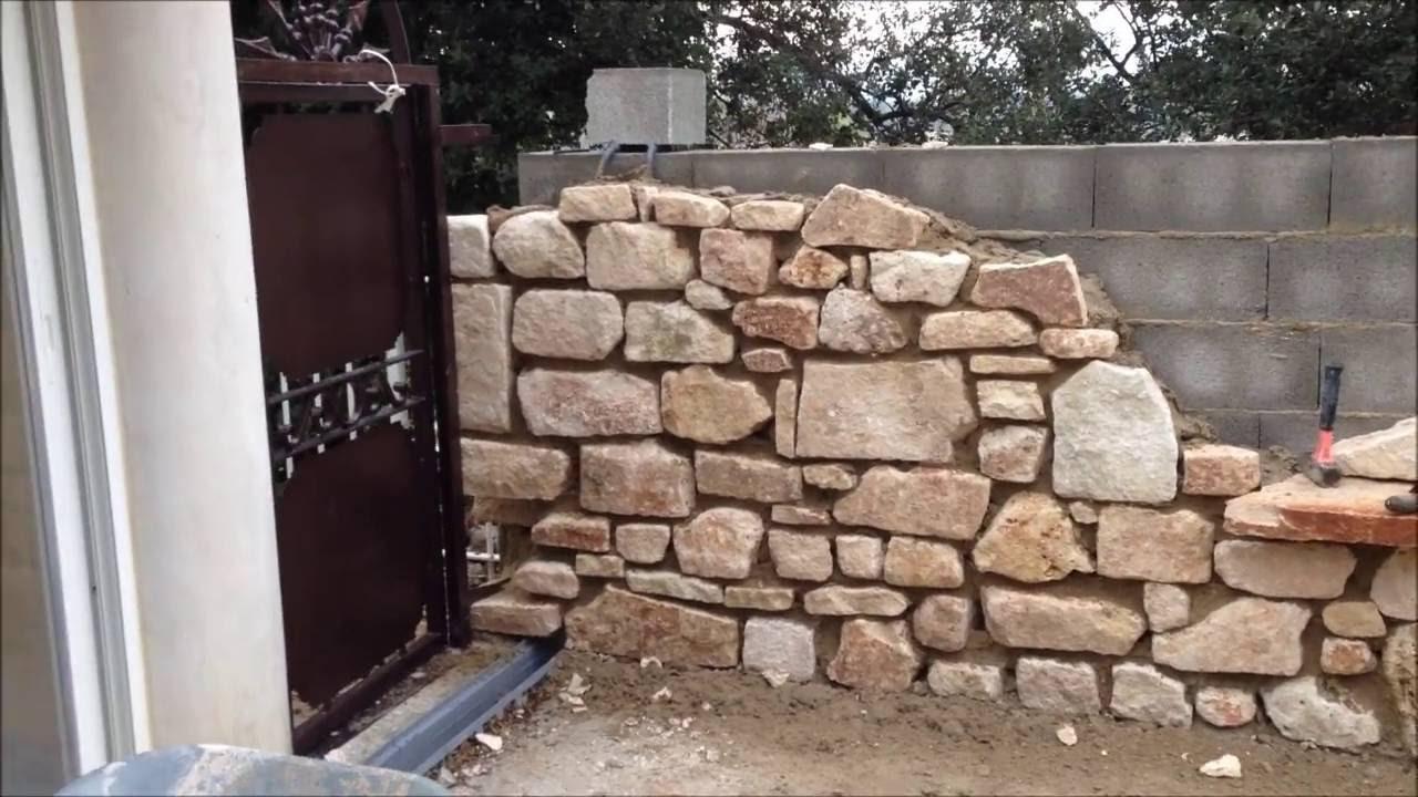 murs en pierre avec niches cintr e jacuzzi premi re. Black Bedroom Furniture Sets. Home Design Ideas