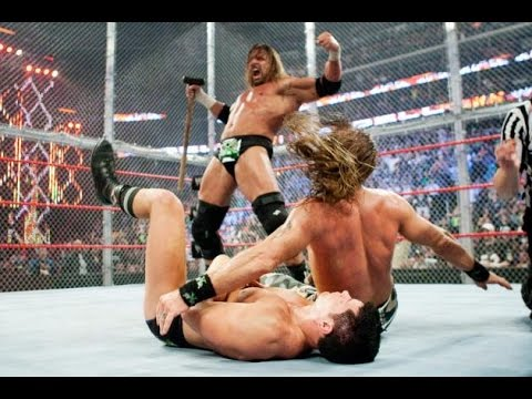Triple H Saves Shawn Micheals From Legacy , Hell In a Cell 2009