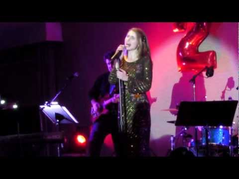 Siobhan Magnus performs I Never Loved A Man by Aretha Franklin @ The International Resort 12/31/12