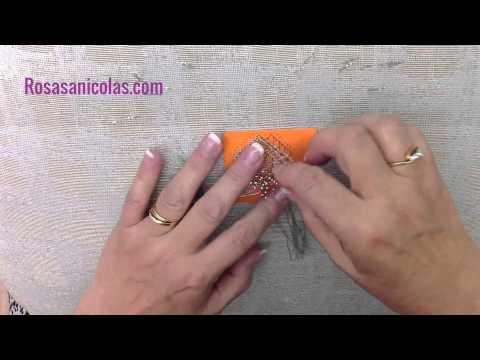 Cómo realizar una pulsera de encaje de bolillos