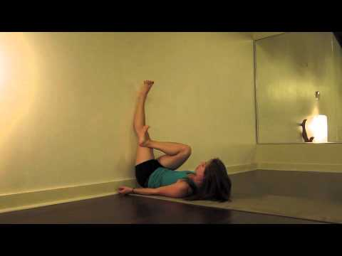 piriformis wall stretch - Lauren Rudick