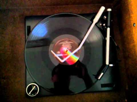 1975 Magnavox Console 6402 AM/FM Stereo/8-Track/Record Walkaround
