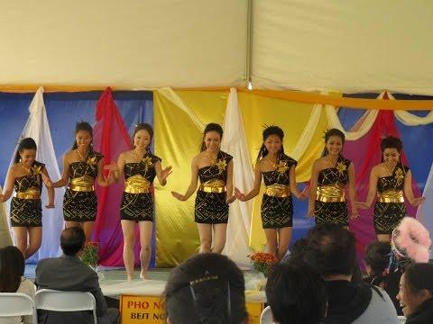 Nkauj Hmoob Hli Xiab @ Oroville Hmong New Year