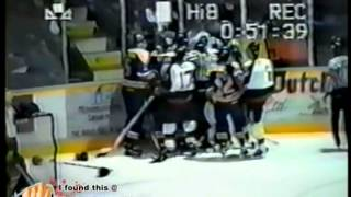 Jan 10, 1995 Saskatoon Blades vs Medicine Hat Tigers SCRUM WHL