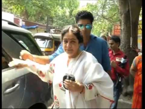 Mukesh Ambani, Bollywood celebrities queue up in Mumbai to vote in general election