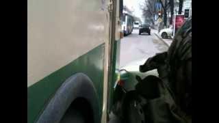 Accident cu troleu în fața teatrului Eminescu