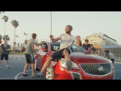 Nový styl hudby, stačí auto a pár míčů! :)