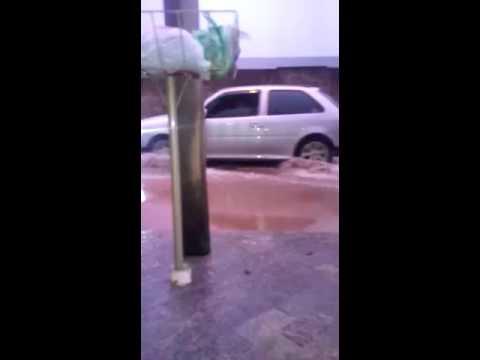 Vídeo Vídeo: Chuva tomou conta de rua do Aracy mais uma vez