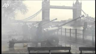 Raw Video: 62-Gun Salute for Queen Elizabeth Ii
