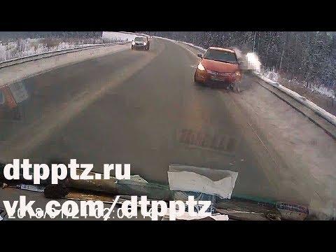 """У Лучевого на """"Коле"""" столкнулись три автомобиля"""