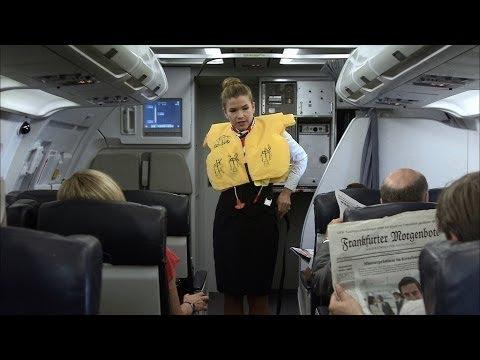 Hình ảnh trong video Stewardess mit Durchsetzungsvermögen