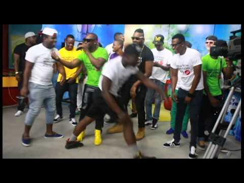 Musicos Mocambicanos dancado MALE YA MATCHANGANA