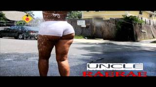 CRYSTAL BATES ASS SHAKING DONK JUMP PAPOOSE NEW SONG view on youtube.com tube online.