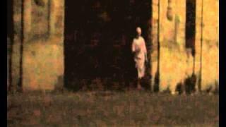 Scherzo Al Cimitero Di Messina Divertente E Pauroso
