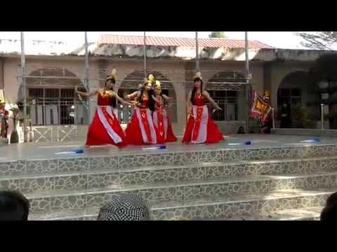 Múa Quạt Dòng Máu Lạc Hồng, Trình bày: Lớp 11C12: Born To Stand Out - THPT Long Khánh - Đồng Nai