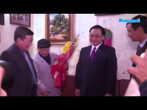 Bí thư Thành ủy Hà Nội Hoàng Trung Hải thăm, chúc Tết gia đình chính sách