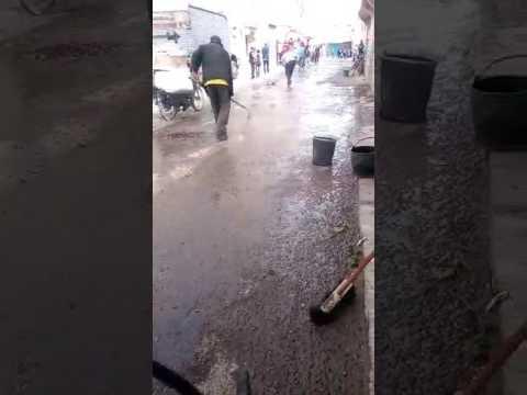 الساكنة تنظف مسرح جريمة حي الحريشة اولاد تايمة