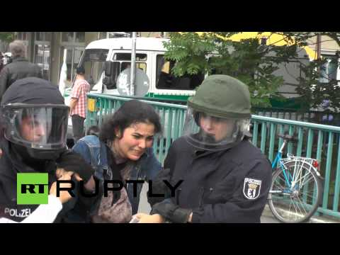 RAW: Police brutally disperse pro-Palestine protest in Berlin