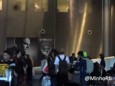 [Fancam] 20120402 Super Junior Eunhyuk, Donghae and Shindong arriving in Paris