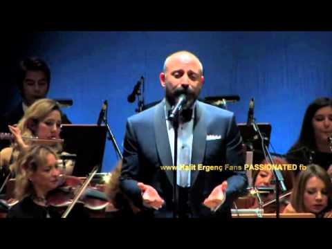 Halit Ergenc is singing ''Resimdeki gozyaslari'' ..