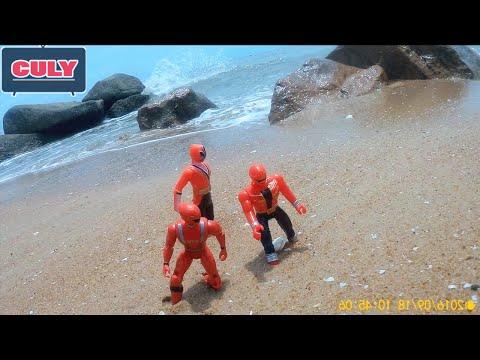 Siêu nhân đại chiến superman ngoài biển đồ chơi power rangers war on bearch toy for childrens