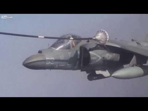 Xem chiến đấu cơ Harrier tiếp dầu trên không