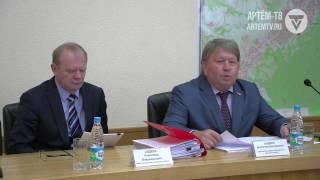 Глава округа Александр Авдеев выступил с докладом перед депутатами